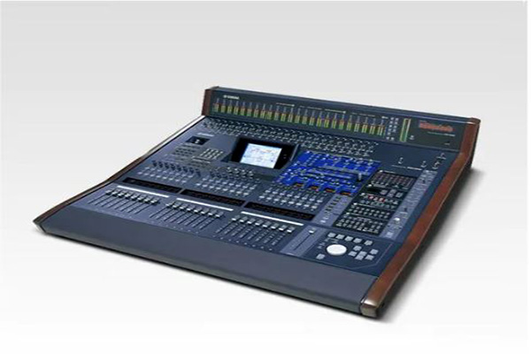 mixer-ky-thuat-so-yamaha-dm-2000-vcm-001